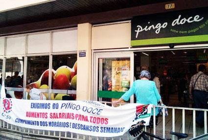 Trabalhadores do Pingo Doce exigem aumentos salariais