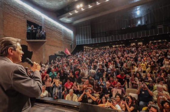 No Brasil estão em causa a democracia e os direitos dos trabalhadores