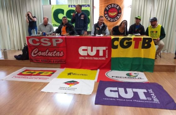 Sindicalismo brasileiro unido prepara greve geral