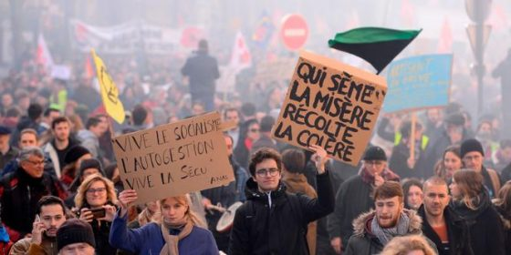 França – Manifestações massivas contra o projeto de Emmanuel Macron